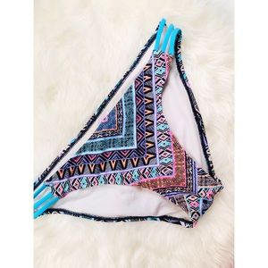 PINK Victoria's Secret Aztec Print Bikini Bottoms✨